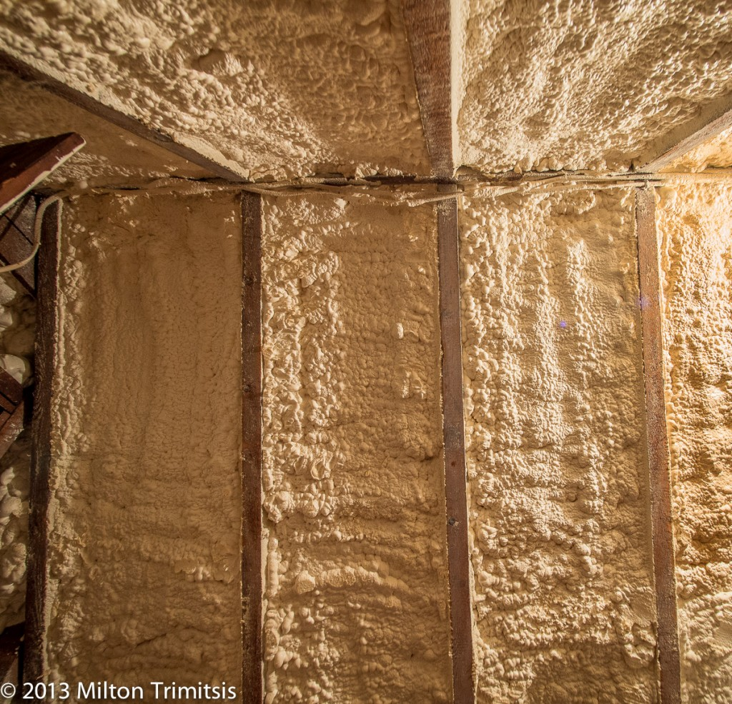 Closed-cell foam in between rafters